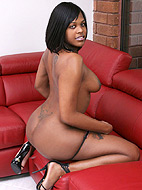 Irresistible chocolate cutie Nia Lee stripping