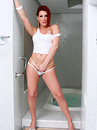 Sexy tgirl Joy Spears posing her goodies