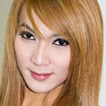 Parkky is a sexy and lively ladyboy, she has a great body and got hard easily.