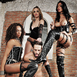 Ts domme Adelaide, Cybelli and Jennifer in action