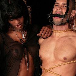 Kinky black tranny punishes her man