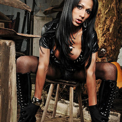 Mistress Nicolly showing off her dark side