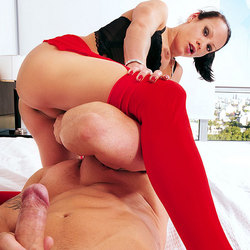 Red pantyhose hottie Tamy in action