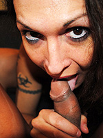 Hot tgirls Nikki and Vanushi having sweet oral