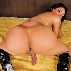 Big bad ass brazilian shemale booty