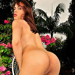 Horny shemale all alone playing outdoors
