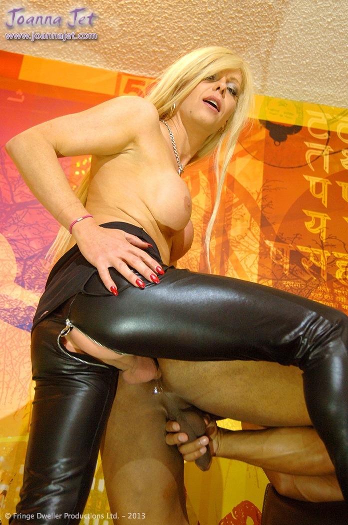 Nicole oring pantyhose newsw